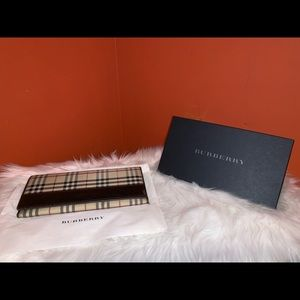 Burberry checkered long wallet